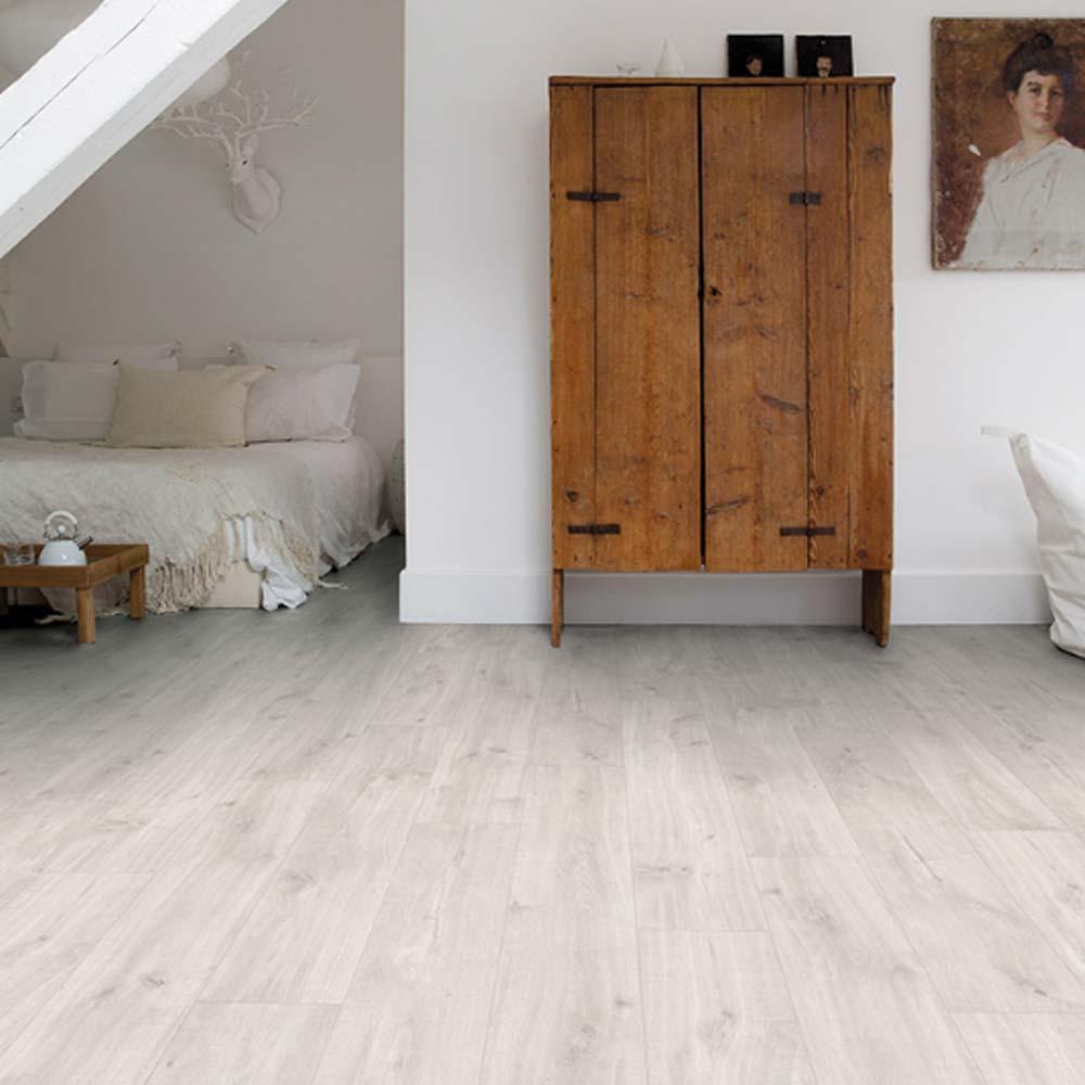 quick step livyn balance click canyon oak light saw cuts. Black Bedroom Furniture Sets. Home Design Ideas