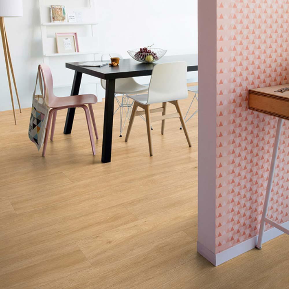 quick step livyn balance click silk oak warm natural bacl401. Black Bedroom Furniture Sets. Home Design Ideas