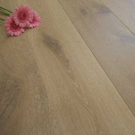 190mm Brushed & Oiled Engineered White Taos Oak Oak Click Wood Flooring 2.075m²