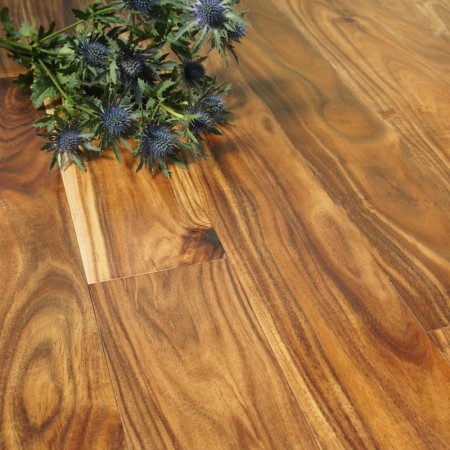 120mm Lacquered Engineered Blacknut 14/3mm Wood Flooring 2.52m²