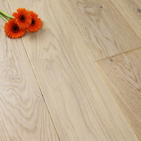 180mm Matt Lacquered Engineered Granite Oak Click Wood Flooring 2.77m²