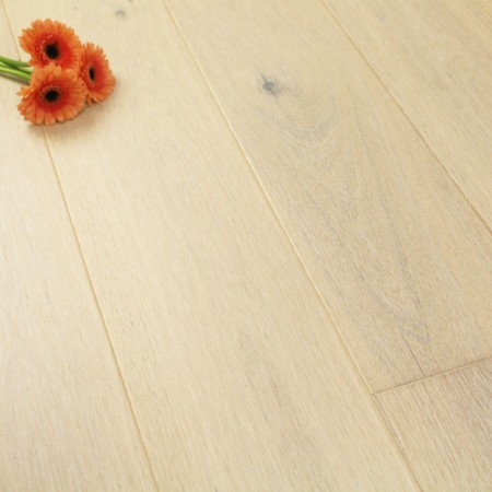 180mm Lacquered Engineered Pearl Oak Click Wood Flooring 2.77m²