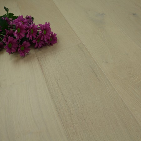185mm Brushed & Matt Lacquered Engineered Pastel Grey Oak Click Wood Flooring 2.33m²