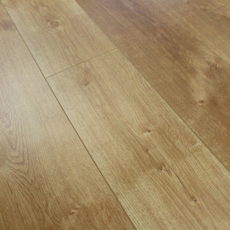 8mm Natural Oak Laminate Flooring 1.9845m2