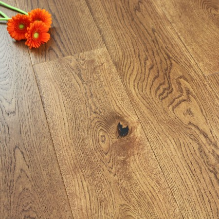 190mm Brushed & Matt Lacquered Engineered Warm Tan Oak Wood Flooring 2.89m²