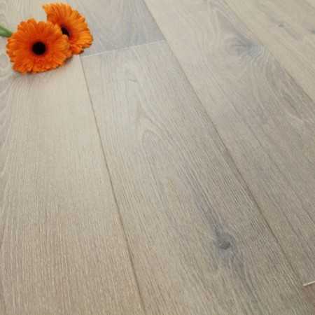 182mm Brushed & Natural Oiled Engineered Oak Mineral Grey Click Wood Flooring 2.4m²