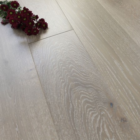 180mm Brushed & Matt Lacquered Engineered Baltic Grey Oak Click Wood Flooring 2.77m²