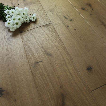 180mm Brushed & Oiled Engineered Caramel Tan Oak Click Wood Flooring 2.77m²