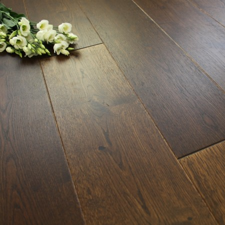 180mm Engineered Brushed and Matt Lacquered Tawny Brown Oak Wood Flooring 2.77m²