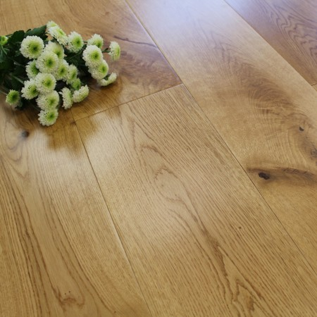 189mm Lacquered Engineered Rustic Oak 20mm Wood Flooring 2.11m²