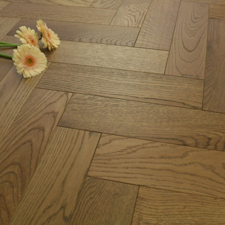 90mm Matt Lacquered Engineered Toffee Stained Oak Parquet Block Wood Flooring 1.166m²
