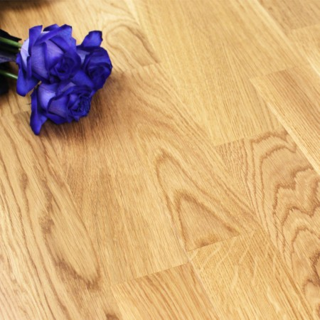 3-Strip Lacquered Engineered Bradgate Oak Click Wood Flooring 3.18m²