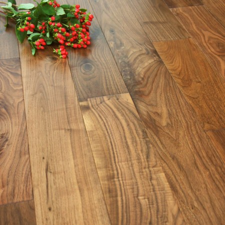 127mm Lacquered Engineered Walnut Wood Flooring 2.13m²