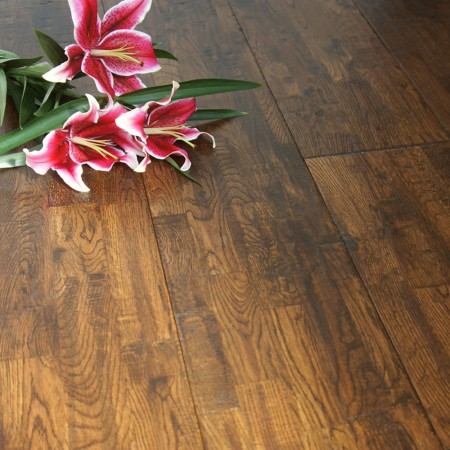 203mm Lacquered Finger Joint Antique Solid Oak Wood Flooring 1.79m²