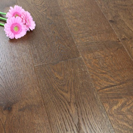180mm Brushed & Lacquered Engineered Chestnut Oak Wood Flooring 2.592m²