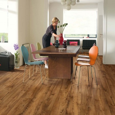Quick-Step Perspective Wide Reclaimed Chestnut Antique Planks 4 Groove UFW1543 Laminate Flooring