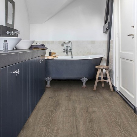 Quick-Step Laminate Majestic Woodland Oak Brown MJ3548 room shot