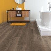Quick-Step Signature Brushed Oak Brown SIG4766 Laminate Flooring 2.048m²