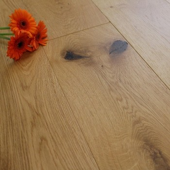 190mm Engineered Brushed & Matt Lacquered Wood Flooring 1.444m²