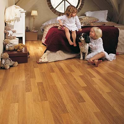 Quick-Step Classic Enhanced Oak Natural Varnished 3 Strip CL998 Laminate Flooring