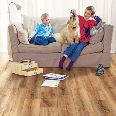 Elka 8mm Auburn Oak ELV954 Laminate Flooring