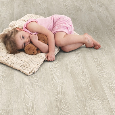 Elka 8mm Frosted Oak ELV207AP Aqua Protect Laminate Flooring