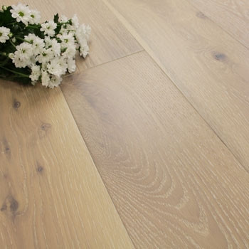 190mm Engineered Brushed & Matt Lacquered Washed Bone White Oak Wood Flooring 2.166m²