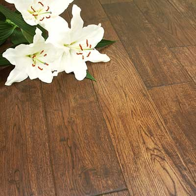 125mm Lacquered Antique Solid Oak Wood Flooring 2.20m²