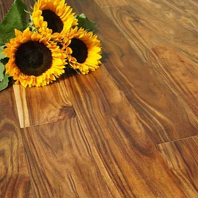 120mm Lacquered Engineered Blacknut 18/4mm Wood Flooring 2.02m²