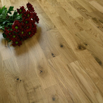 200mm Engineered Matt Lacquered 3-Strip Oak Wood Flooring 3.4m²