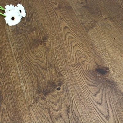 180mm Matt Lacquered Engineered Pecan Oak Click Wood Flooring 2.77m²