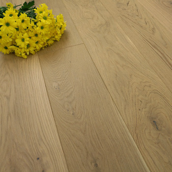 185mm Brushed & Matt Lacquered Engineered Light Oak Click Wood Flooring 2.33m²