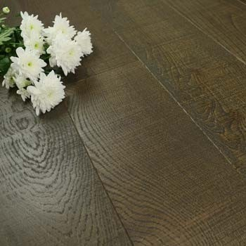 185mm Brushed/Saw Cut & Matt Lacquered Engineered Burnt Umber Oak Click Wood Flooring 2.33m²