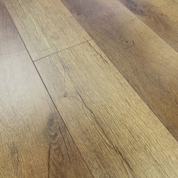 8mm Heritage Oak Laminate Flooring 1.9845m2