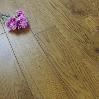 130mm Lacquered Solid Distressed Golden Oak 18mm Wood Flooring 2.184m²