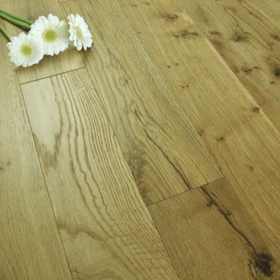 130mm UV Brushed & UV Oiled Solid Oak 18mm Wood Flooring 2.184m²