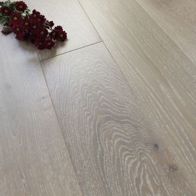 180mm Lacquered Engineered Baltic Grey Oak Click Wood Flooring 2.77m²