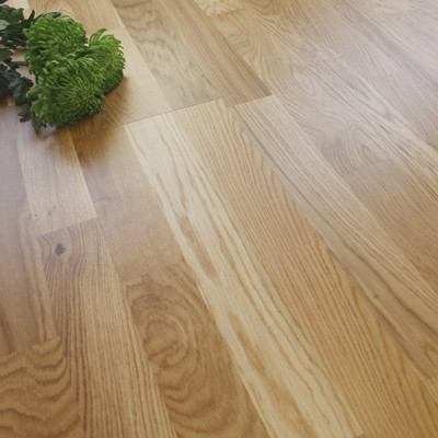 207mm Engineered Lacquered Three Strip Rustic Oak Wood Flooring 3.18m²