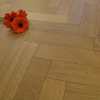 90mm Matt Lacquered Engineered Golden Stained Oak Parquet Block Wood Flooring 1.166m²
