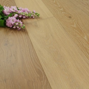190mm Handscraped & UV Oiled Engineered Oat Oak Wood Flooring 2.17m²