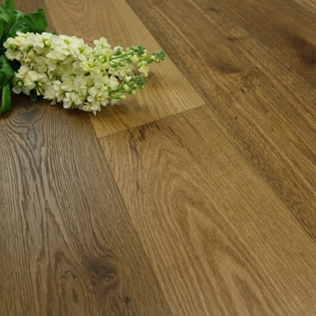 190mm Handscraped & UV Oiled Engineered Golden Bronze Oak Wood Flooring 2.17m²