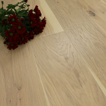 187mm Engineered Brushed & White Oiled Icy Frost Oak Wood Flooring 2.72m²