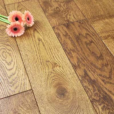 150mm Lacquered Butterscotch Solid Oak Wood Flooring 1.98m²