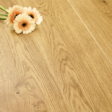 180mm Brushed & Matt Lacquered Engineered Oak Click Wood Flooring 1.58m²