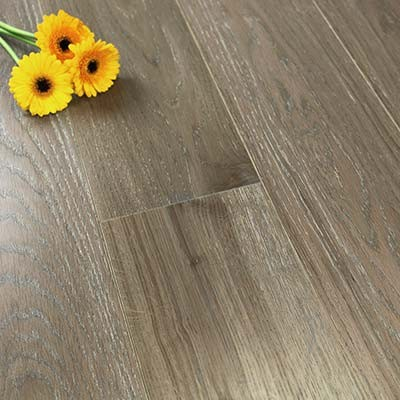 180mm Brushed & Lacquered Engineered Weathered Amber Oak Wood Flooring 2.592m²