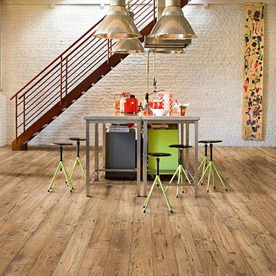 Quick-Step Perspective Wide Reclaimed Chestnut Natural Planks 2 Groove ULW1541 Laminate Flooring