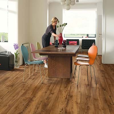 Quick-Step Perspective Wide Reclaimed Chestnut Antique Planks 2 Groove ULW1543 Laminate Flooring
