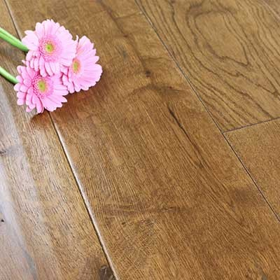 190mm Lacquered Engineered Knighton Cinnamon Oak Wood Flooring 2.166m²