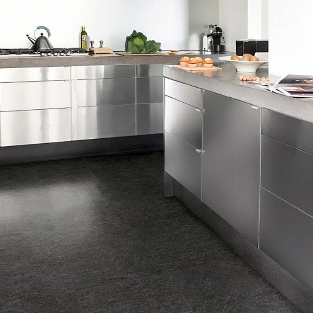 Quick step exquisa slate black galaxy exq1551 laminate floor for Black laminate flooring