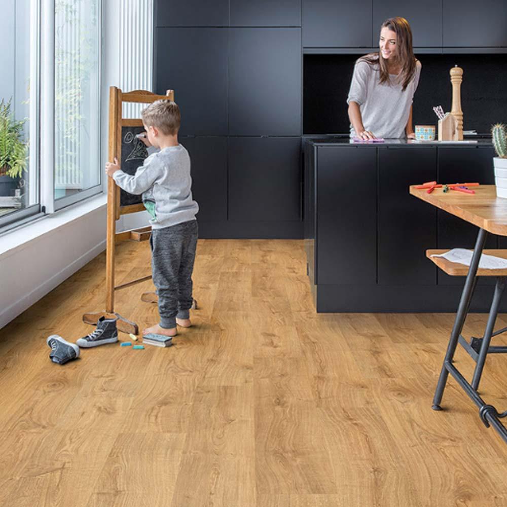quick step livyn avis lame pvc clipsable avec quatre. Black Bedroom Furniture Sets. Home Design Ideas